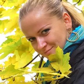 Педагог-хореограф, балетмейстер народного ансамбля танца «Цвит папороти»