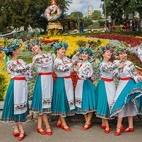"""""""Гордість твоя, Україно"""" - концерт в рамках виставки квітів"""